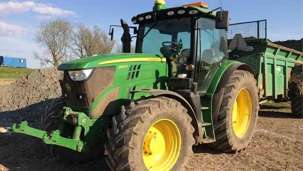 John Deere Traktör